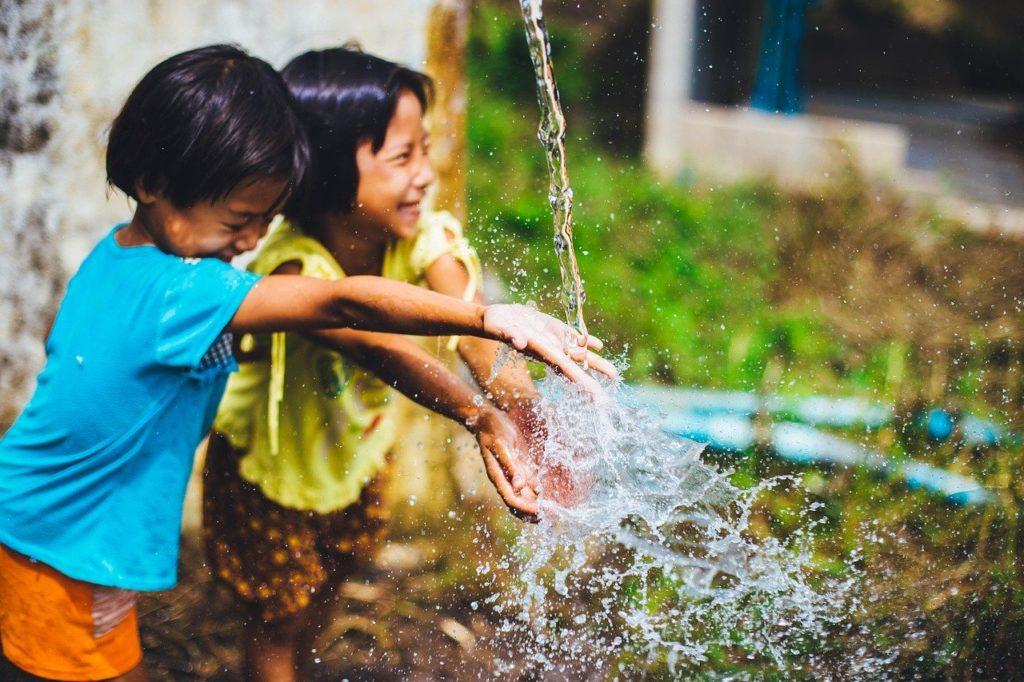 10 bonnes raisons de passer du temps à l'extérieur pour les enfants