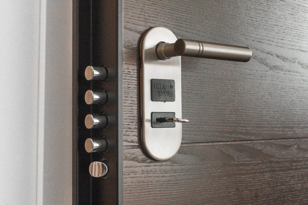 Comment protéger efficacement l'accès à son domicile