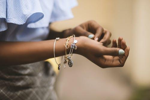 Quels sont les modèles de bracelets les plus tendance du rock?